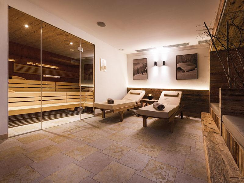 Sauna mit Liegen